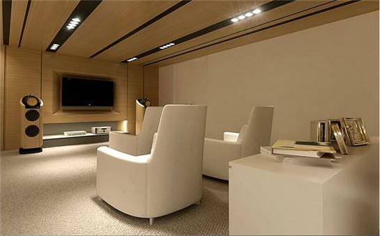 会议室两侧墙面均以玻璃材质呈现,引进大量的室外光线与风景.