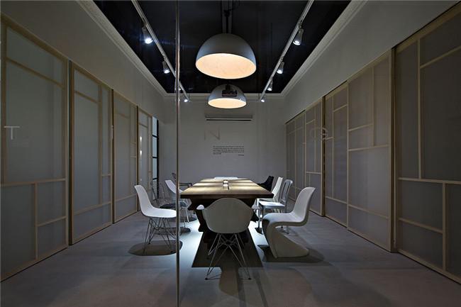 现代符号融入中国元素 共生形态创意总部办公空间设计