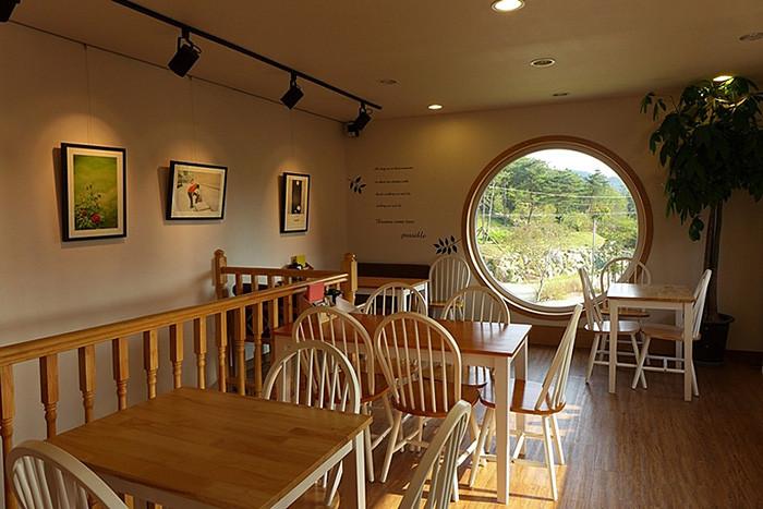 旧时代复古创意咖啡厅店面设计赏析