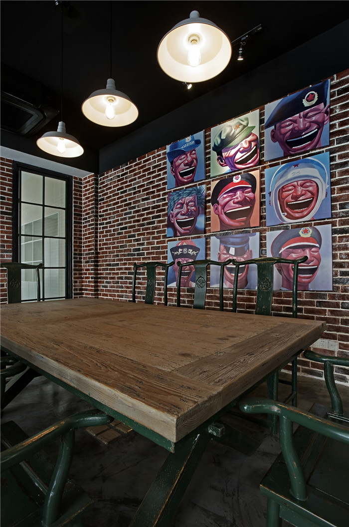 中西結合的英倫loft風創意辦公室裝修設計案例