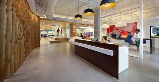 郑州办公室设计公司分享国外现代简约时尚办公室设计案例