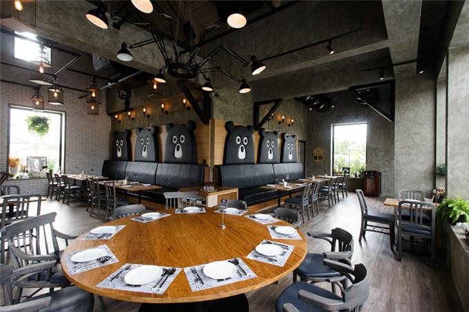工厂元素泰迪熊主题餐厅装修设计效果图