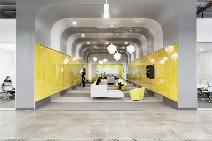 美国ooyala公司简约时尚创意办公室装修设计案例