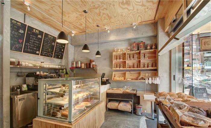 郑州专业餐饮店面设计公司推荐欧洲小镇风情面包店面设计图片