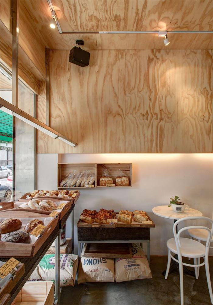 郑州专业餐饮店面设计公司推荐欧洲小镇风情面包店面