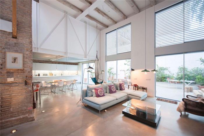 勃朗别墅设计公司分享国外北欧风私人别墅改造设计