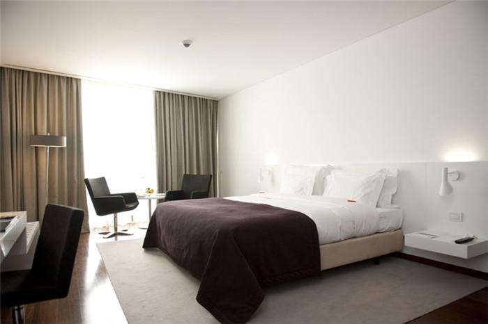 背景墙 房间 家居 酒店 设计 卧室 卧室装修 现代 装修 700_466