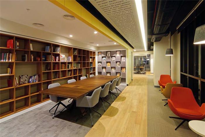 鄭州知名辦公室設計公司分享d&r開放式企業辦公室裝修