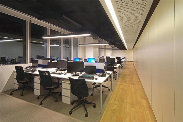 郑州知名办公室设计公司分享d&r开放式企业办公室装修