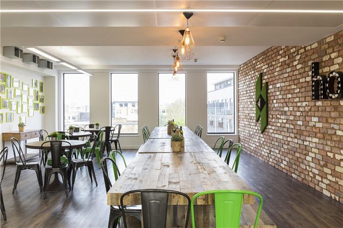 houzz公司多元化開放式創意辦公室裝修設計實景圖