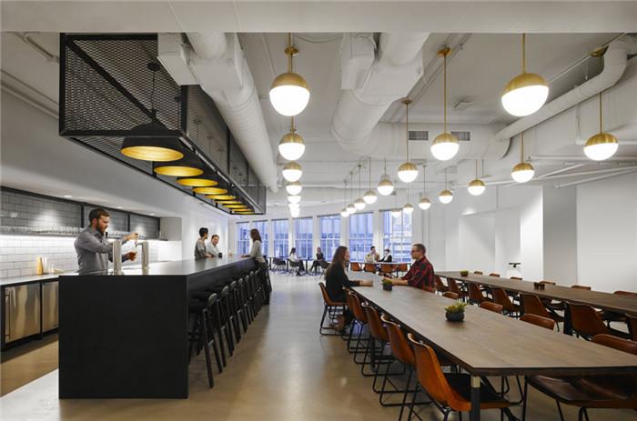 快乐优雅的公园式centro公司办公室装修设计实景图