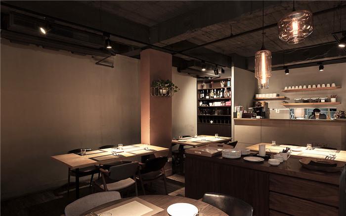 网红最爱的的工业风loft西餐厅设计案例