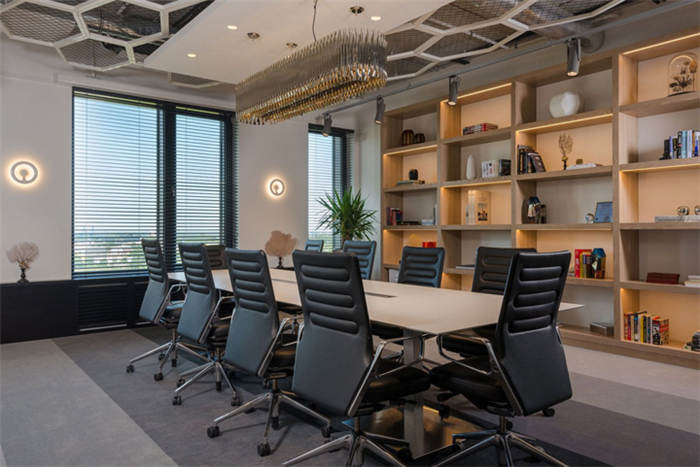 国外电子科技企业办公室装修设计实景图