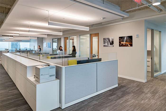 波士顿地产信托公司时尚企业办公室设计实景图